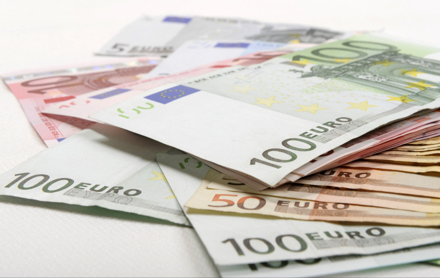 Pelnīt naudu tiešsaistē reālā ātri. Viegla nauda? - Spoki