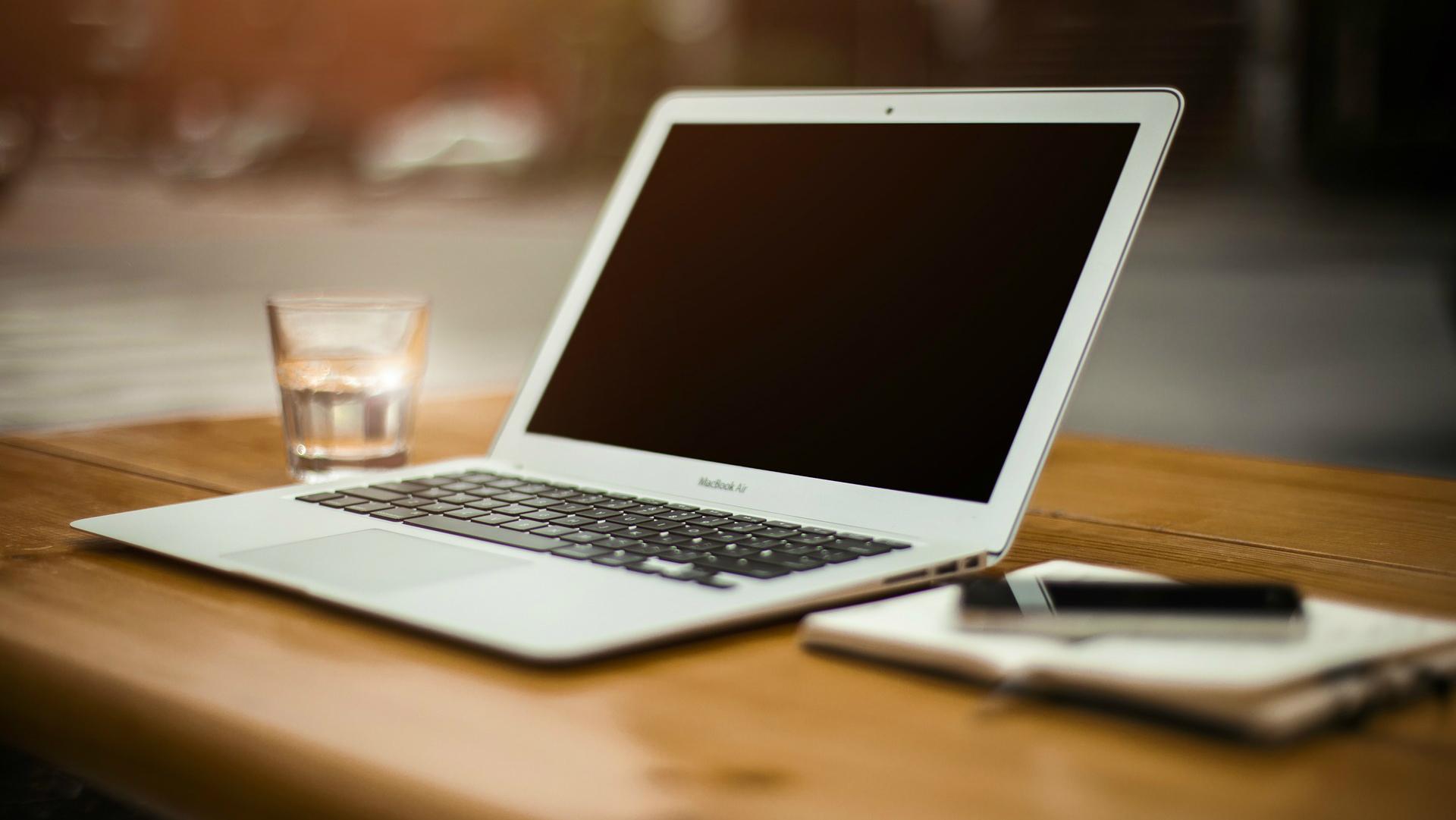 Ka Viegli Dabut Naudu Divi veidi kā ātri nopelnīt naudu internetā | webzona.lv