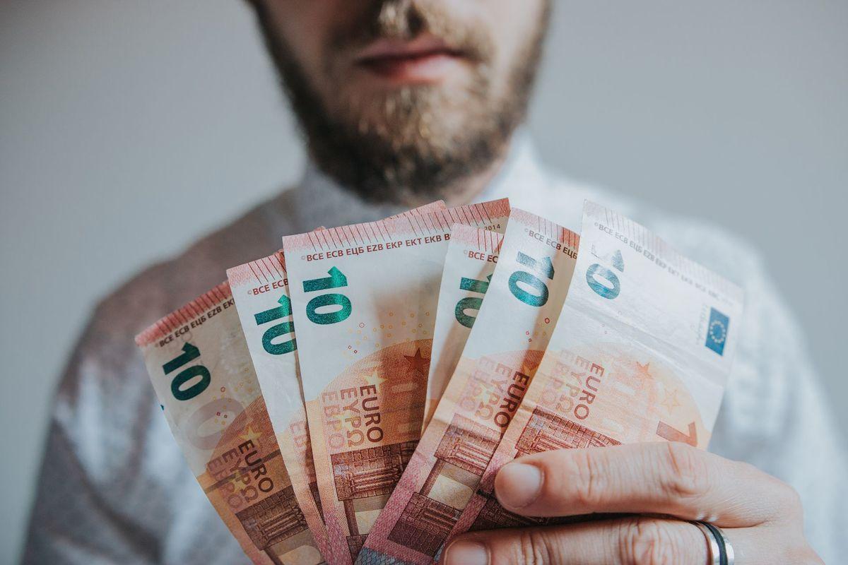 kā nopelnīt naudu naudas apmaiņā