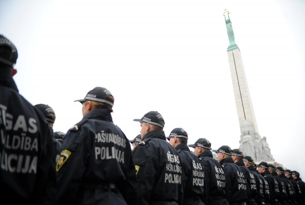 Lētticīgs vīrietis ar policijas palīdzību atgūst izkrāptus 20 eiro - webzona.lv