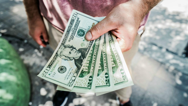 nopelniet naudu tagad