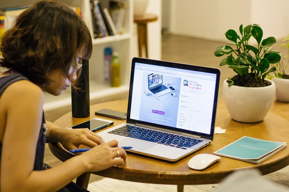 nopelnīt veidus, kā nopelnīt naudu tiešsaistē