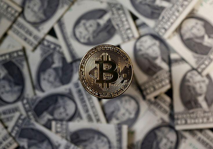 nopelnīt naudu par Bitcoin svārstībām