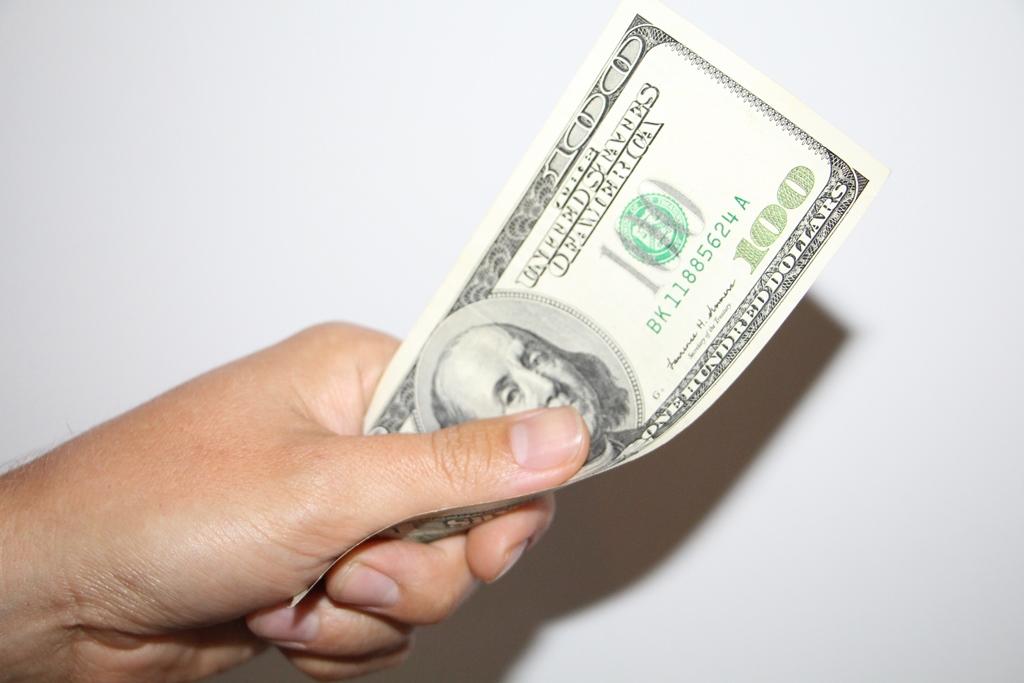 Peļņa internetā ar naudas izņemšanu: vislabākie veidi