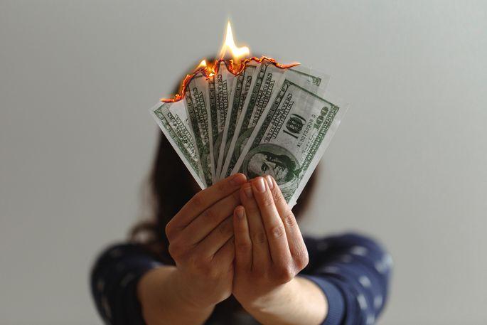 naudu grūti nopelnīt